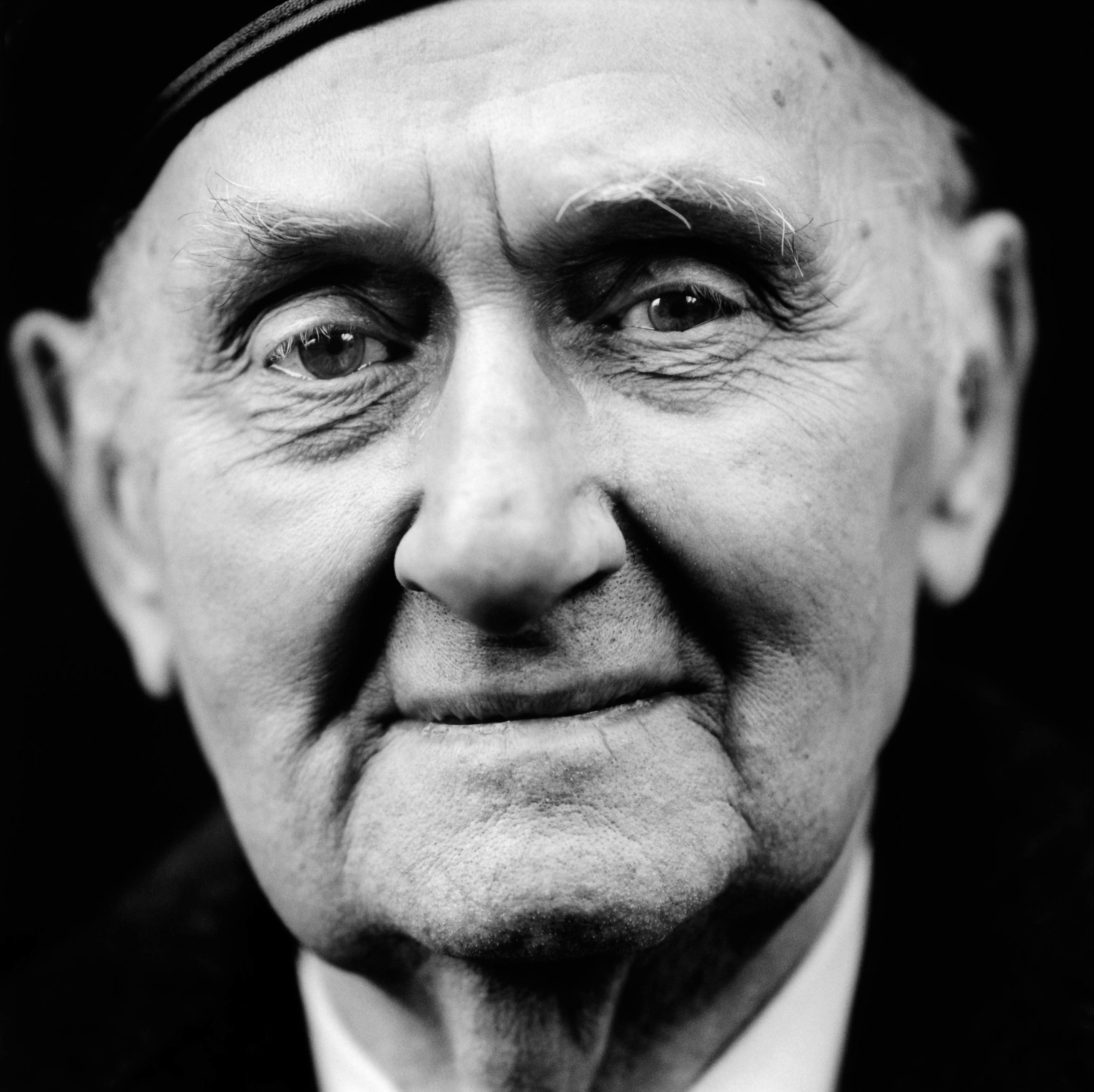 """Tadeusz Wenda (Poland, 1923). Interview outtake: """"We came across a German officer who had lost his legs. He tried to shoot at us, so we took his weapon from him. Then he asked us to kill him. We didn't, we carried on and left him there. That still bothers me."""""""