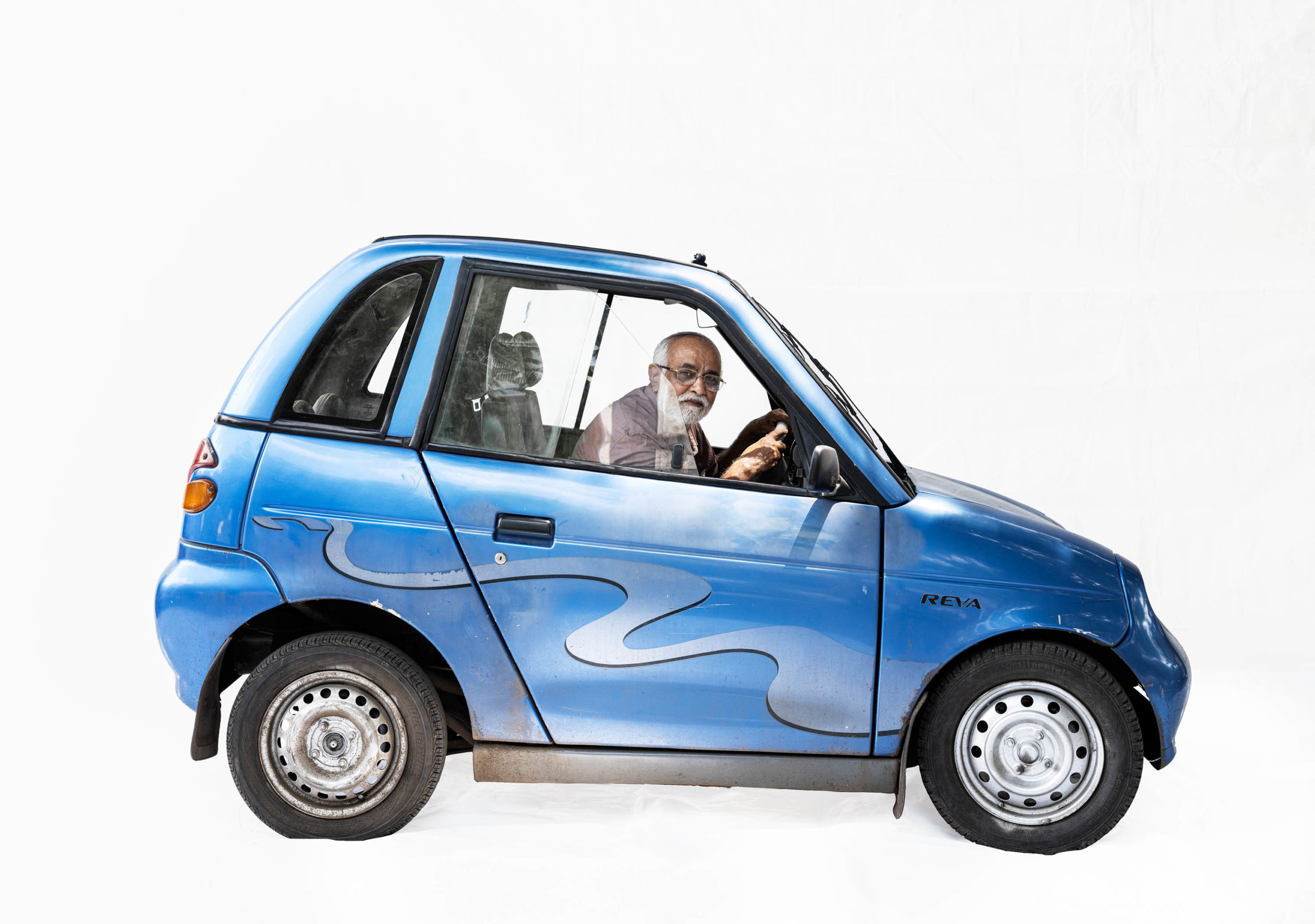 Reva electric car; Retired manager Sudhir Deshpande (Nashik, Maharashtra)