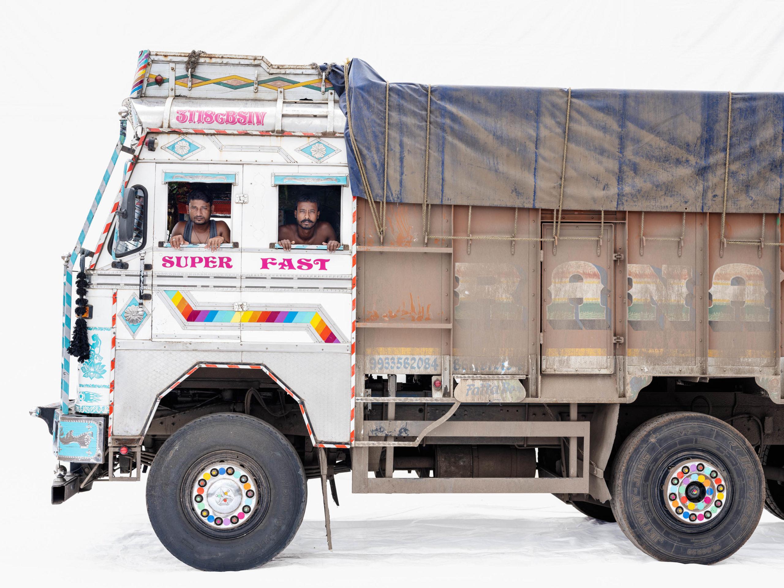 Tata 3118; Truck drivers Niranjan Barma, Pinto Malick (Nashik, Maharashtra)
