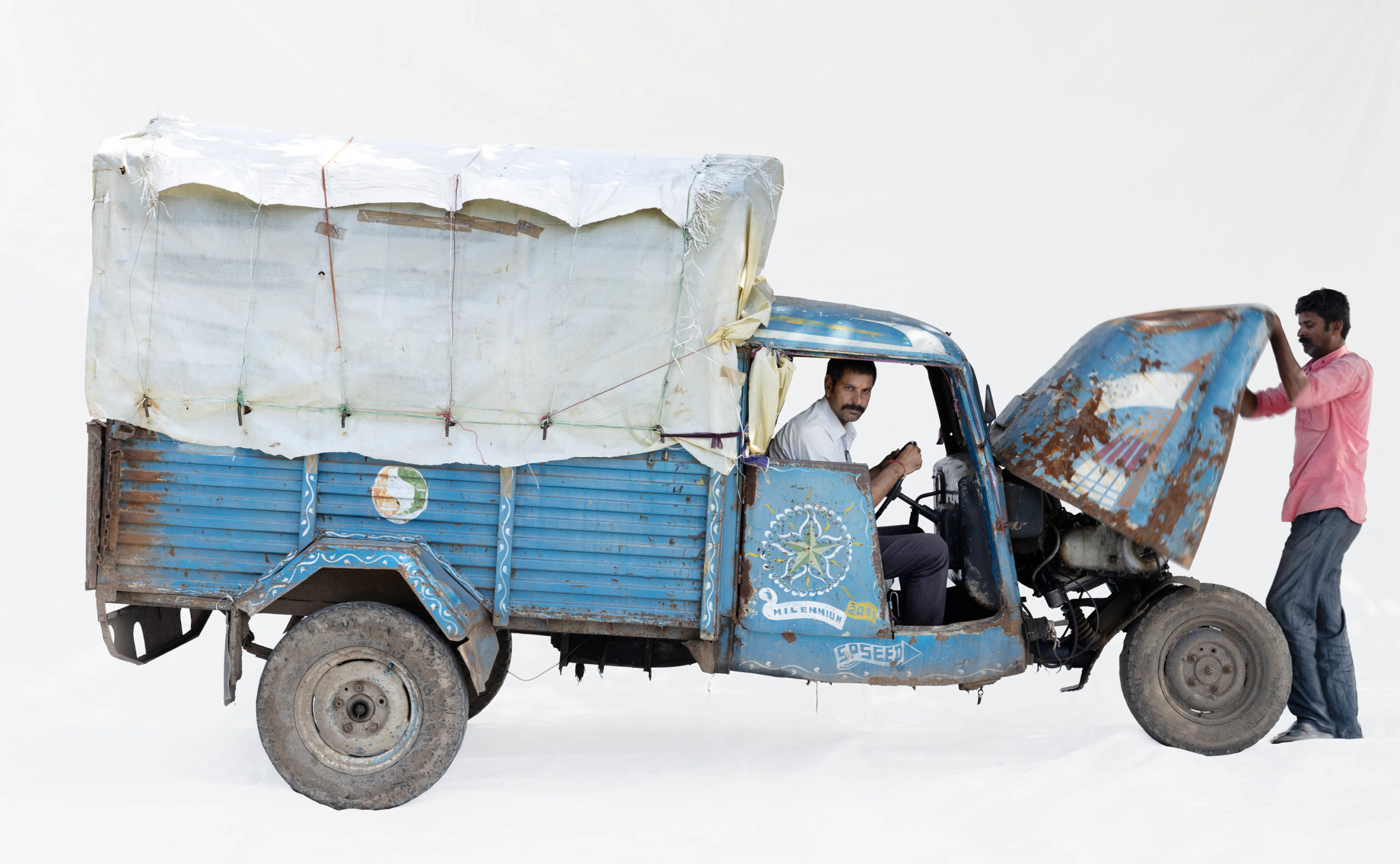 Bajaj Tempo #8; Couriers Vijay Mandloi and Dilipsinh Pawar (Dewas, Madhya Pradesh)