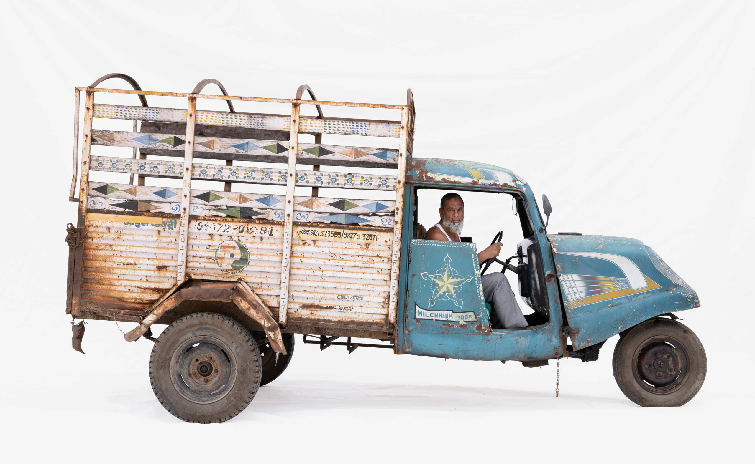 Bajaj Tempo #4; Courier Abdul Aziz (Bhairavgarh, Madhya Pradesh)
