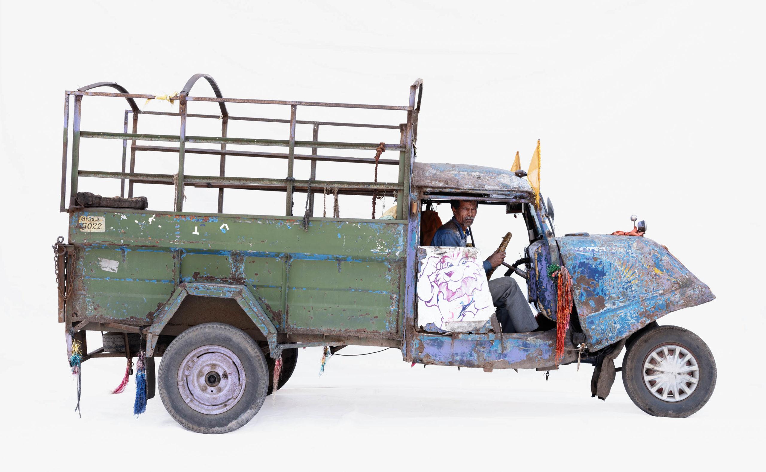 Bajaj Tempo #5; Courier Dwarka Prasad (Ujjain, Madhya Pradesh)