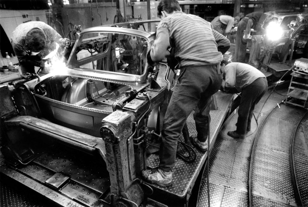 Body sheet welding on the assembly line, 1991